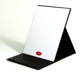 プロモデル折立ミラーの定番カラー・ブラックもあります。