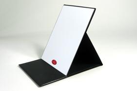 プロモデル折立ミラーの定番カラー・ブラックの拡大鏡付きです。