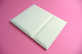 折りたたんだ時。折立カバーは人と地球にやさしいEVA樹脂製。