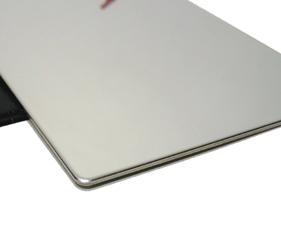 厚み1mm、丈夫で  曲がりにくいステンレスミラー。